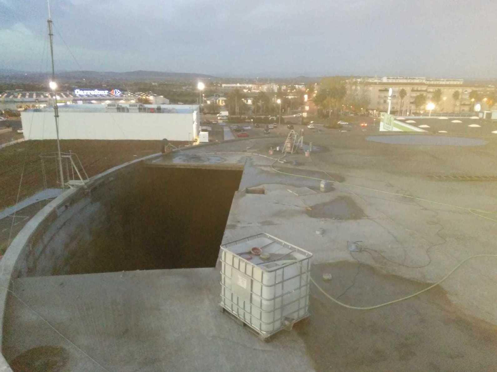 Cortar depósito de agua de Villanueva de la Serena