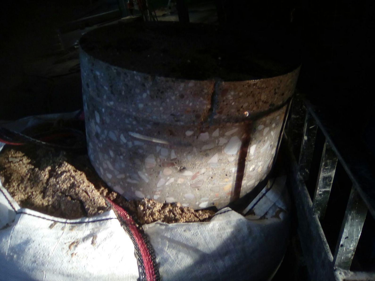 Taladros de 600 mm en forjado de Hormigon de 50 centímetros de profundidad