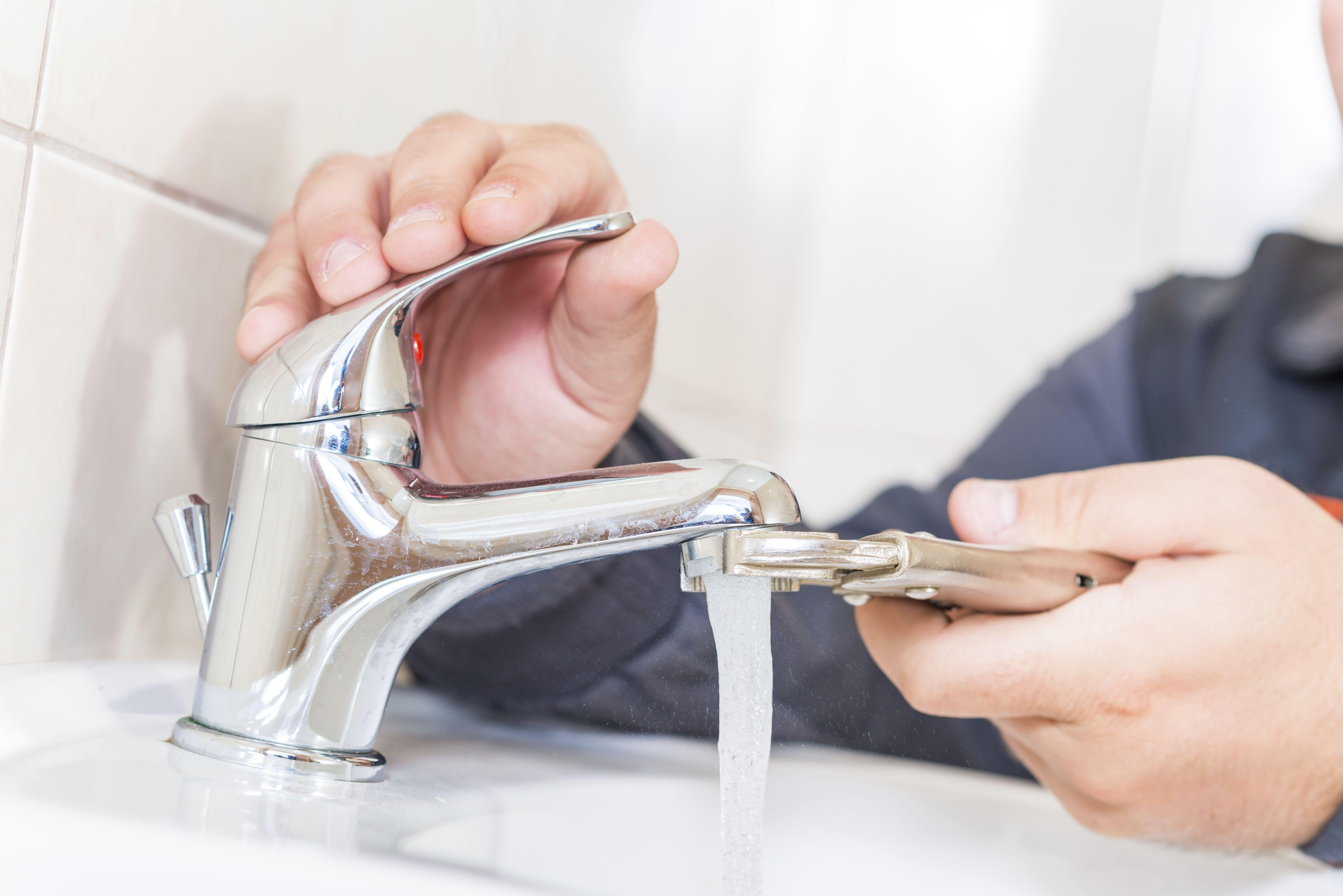 Servicios de fontanería general