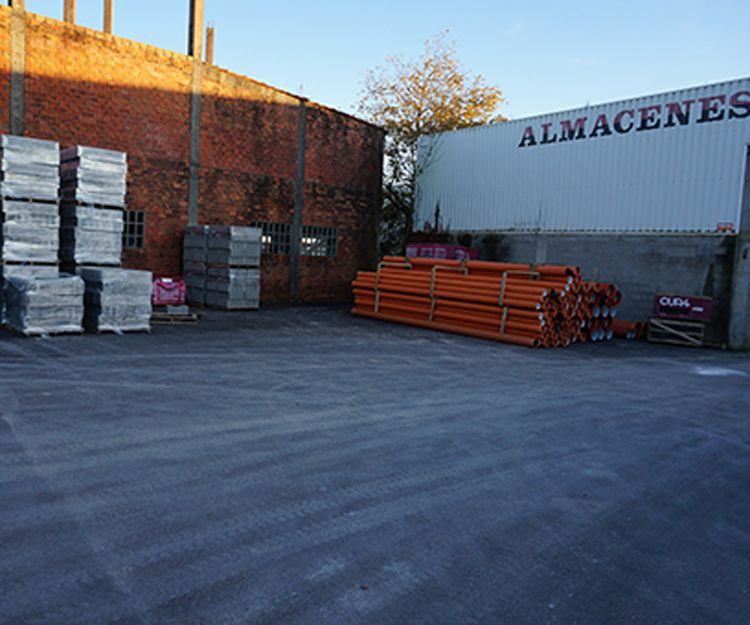 Almacén de materiales de construcción en Lugo