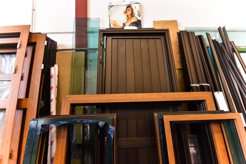 Te ofrecemos las más ventajosas opciones en ventanas y puertas