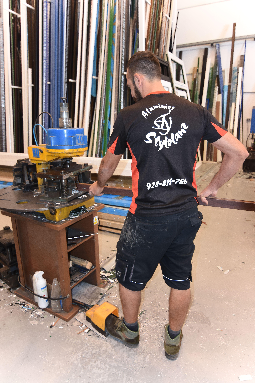 Nuestro taller de carpintería de aluminio