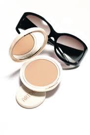 Maquillaje en polvo artdeco, alta cobertura y con proteccion solar 30