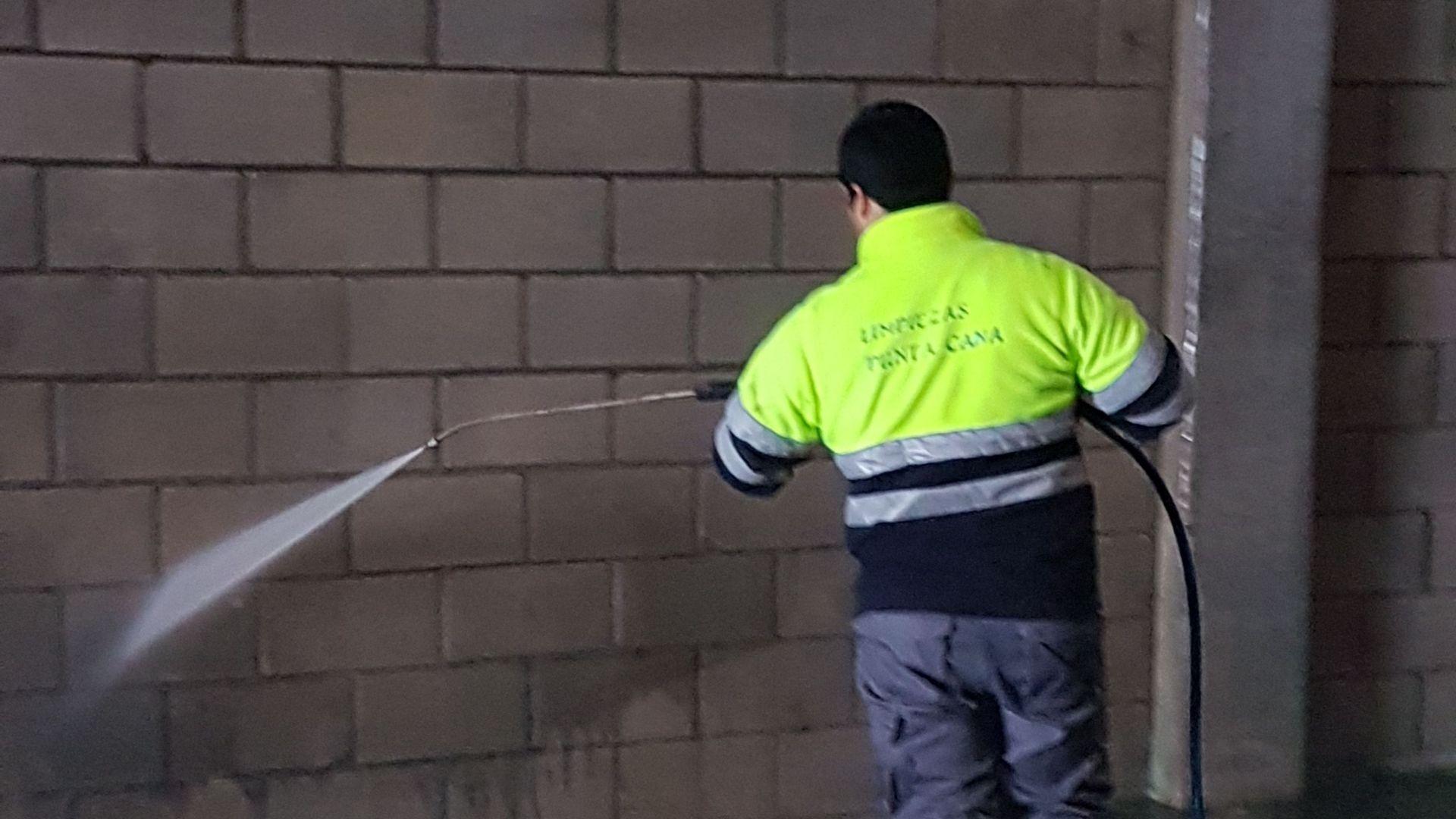 Limpieza de naves en Zaragoza