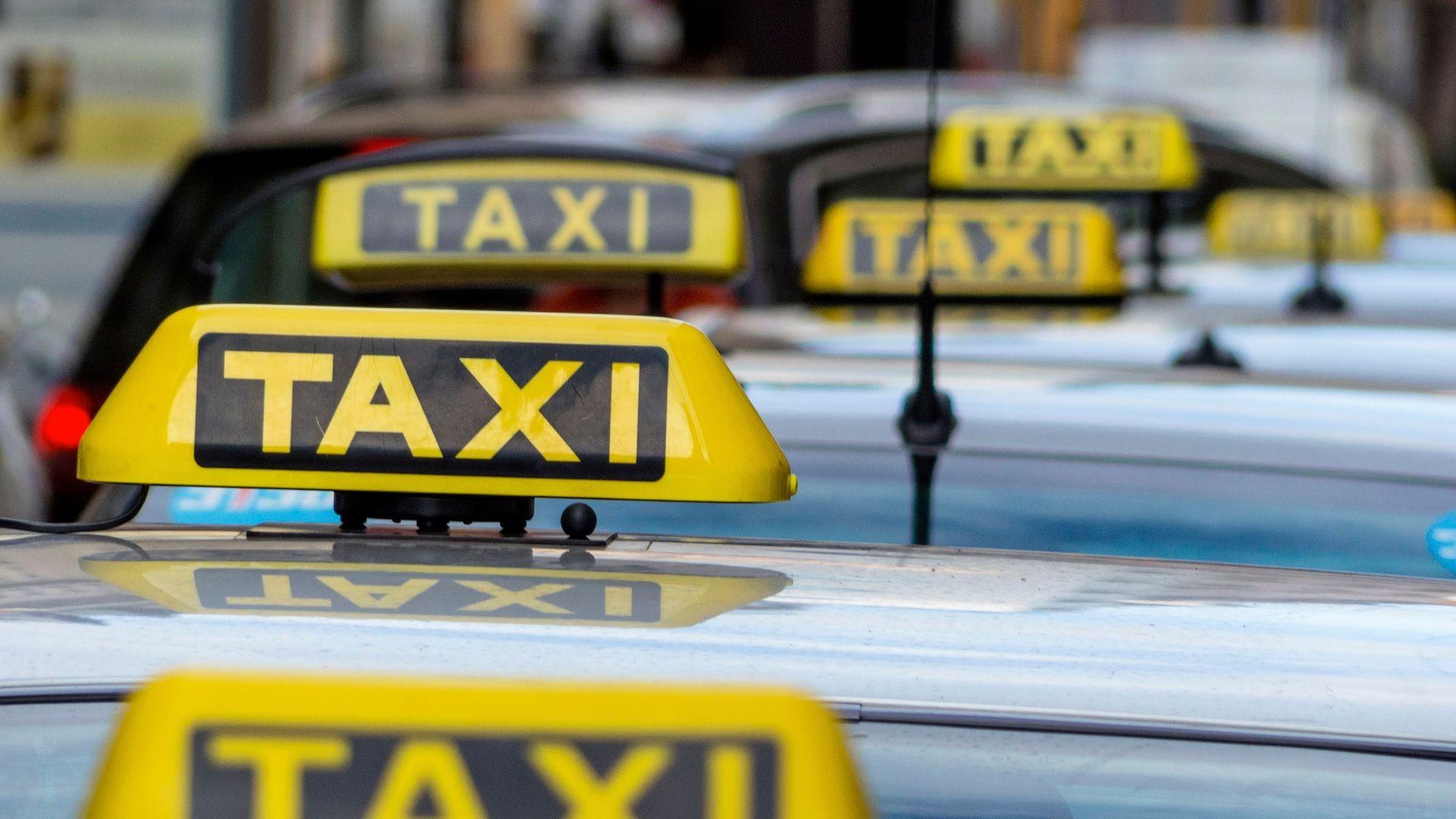 000 taxi 03