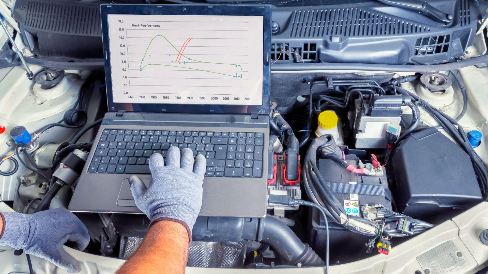 Taller de vehículos especialistas en revisiones y reparaciones